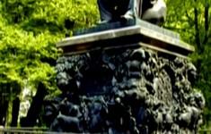 Памятники. Памятник И.А.Крылову
