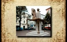 Городская скульптура. Памятник бравому солдату Швейку