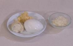 Яйца с икрой из сельди. Ньокки с соусом «4 сыра» и томатами