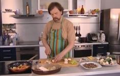 Английский пирог со стейками и  почками. Сэндвич с огурцом