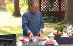 Шашлык из семги. Салат из шампиньонов с пармезаном
