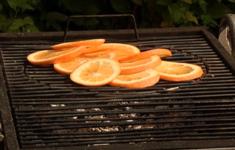 Свиная вырезка с луком-пореем. Апельсиновый лосось