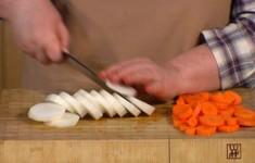 Морковь натуральная стерилизованная. Морковь, маринованная с редькой. Морковная икра