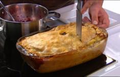 Мясной пирог по-кребекски. Вишневое чатни
