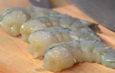 Гречневая лапша с креветками в азиатском стиле. Хрустящие креветки с кунжутным соусом