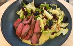 Салат с фланк-стейком. Испанская закуска с прошутто