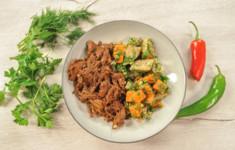 Тушенка из утки с квасным суслом. Креветочный салат с авокадо