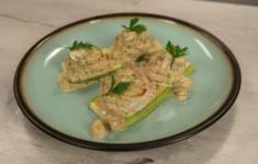 Куриные котлетки с кабачком гриль. Салат капустный со свежей свеклой