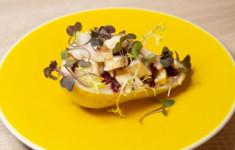 Салат с сыром бри, грушами и сушёной клюквой. Камамбер со спаржей и беконом. Грушевый коктейль