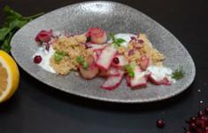Салат из корневого сельдерея с киноа. Йогуртовый десерт с семенами чиа. Компот из клубники и мяты