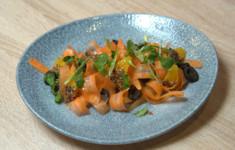 Табуле с обилием зелени. Брошетт с цуккини и индейкой в мятно-апельсиновой глазури. Марокканский морковный салат