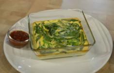 Омлет с зелеными овощами и томатно-базиликовым соусом. Кукурузный суп, мраморная вырезка с томатами и каперсами. Свежие овощи с мятным песто, дорадо с овощами в мешочках из теста фило.