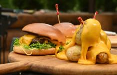 Чизбургер. Печеный картофель с сыром