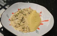 Скоблянка рыбная с картофельным пюре. Креветки пиль пиль