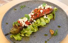 Хрустящие кабачки с брынзой и печеные баклажаны с муссом из сыра Чечил. Салат из печеных овощей