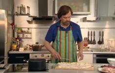 Украинские картофельные галушки со шкварками
