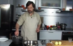 Гречневая каша с грибами, луком и сметаной