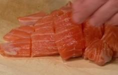 Скандинавский рыбный суп. Старинный норвежский пирог с черникой. Крутоны